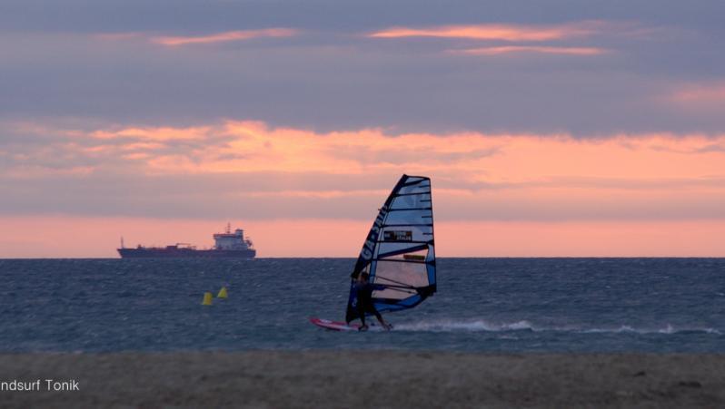 Wind report Leucate - Les Coussoules - France (11) 2020-08-16 14:00:00