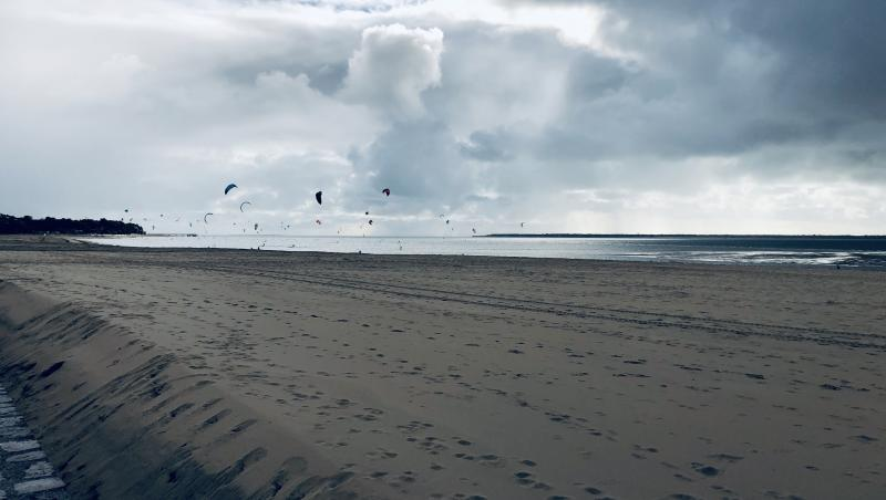 Wind report Arcachon - Les Arbousiers - France (33) 2020-10-11 17:00:00