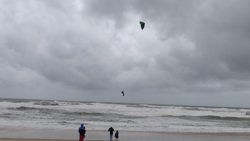 Wind report Le Grand Crohot - France (33) 2020-12-27 11:00:00