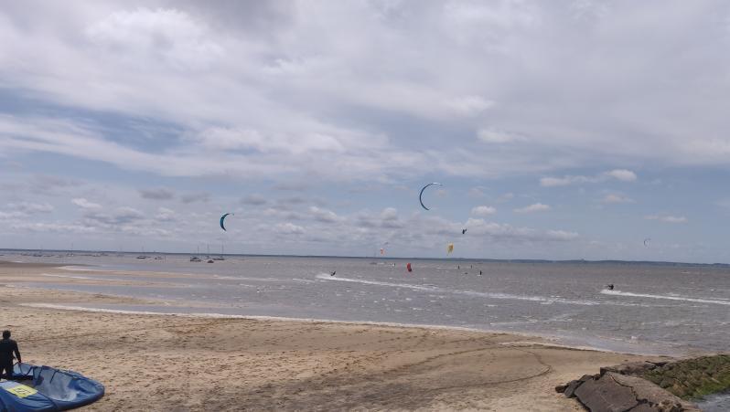Wind report Andernos - Le Betey - France (33) 2021-05-05 11:00:00