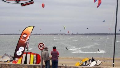 Wind report FR, Arcachon - Les Arbousiers (33) du 2007-11-18 14:00:00