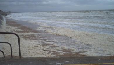 Surf report FR, Le Menhir (14) du 2007-12-10 12:00:00