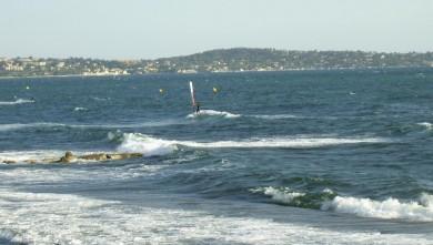 Surf report FR, L'Almanarre (83) du 2008-07-09 12:00:00