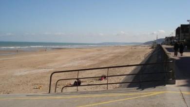 Surf report FR, Le Menhir (14) du 2008-04-15 12:00:00