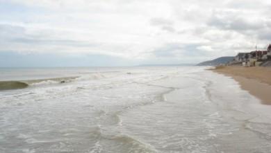 Surf report FR, Le Menhir (14) du 2008-04-19 12:00:00