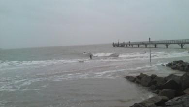 Surf report FR, La Tranche sur Mer - La jetée (85) du 2009-11-15 14:00:00