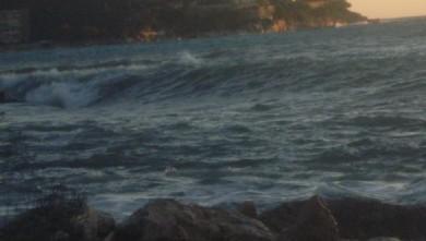 Surf report FR, Villefranche - Plage Marinières (06) du 2009-12-25 15:00:00