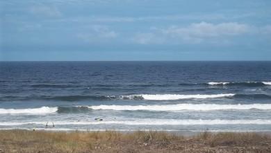 Surf report FR, Lacanau Océan - La Nord (33) du 2011-08-23 09:30:00