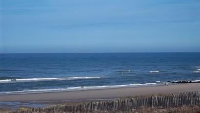 Surf report FR, Lacanau Océan - La Nord (33) du 2011-07-11 08:50:00