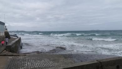 surf/saint-malo-le-sillon-surf-report-18428.html